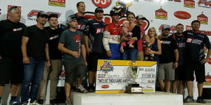 Shane Stewart Again in Knoxville Nationals Opener!