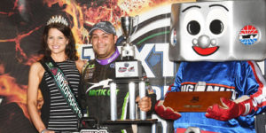 Schatz Rules World Finals Opener for 20th WoO Win of the Year