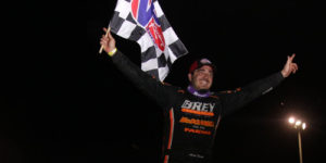 Reutzel Snares First World of Outlaws Win!
