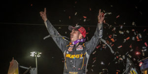Gravel Gets WoO Win at Knoxville