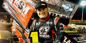 Lines Prevails in World Series Sprintcar Barnburner