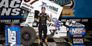 Larson Tops Outlaws at Knoxville