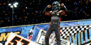 Larson Makes it Five Wins in a Row with WoO Sweep at Knoxville
